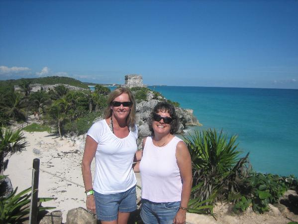 Playa Del Carmen-Kathy Loveridge & Rhonda Watts-Heap, Nov 2009, Rhonda